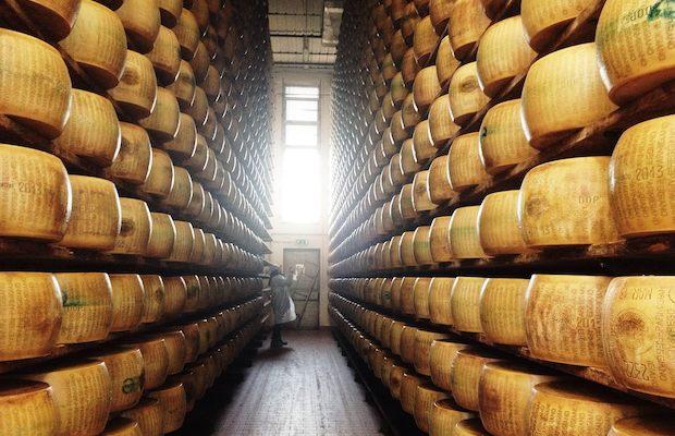 productor-de-queso-parmigiano-reggiano-